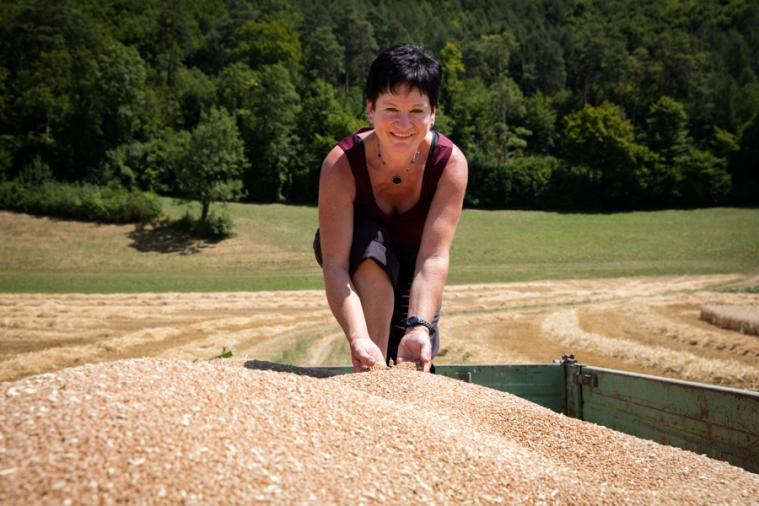HELEN SCHMID, WITTNAU, AG - From grain to bread