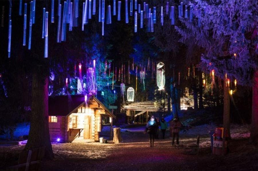 Kitschige Weihnachtsbeleuchtung.Swiss Tavolata News Swiss Tavolata In Graubünden Glühwürmchen Und